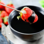 strawberry-chocolate-fondue